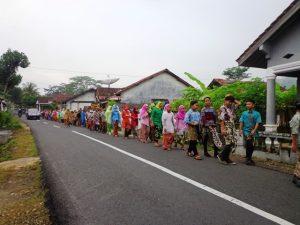 Meriahkan Hari Kartini, Ratusan Siswa Gelar Pawai